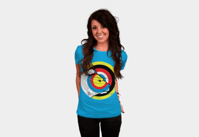 bulls eye T-Shirt - Design By Humans